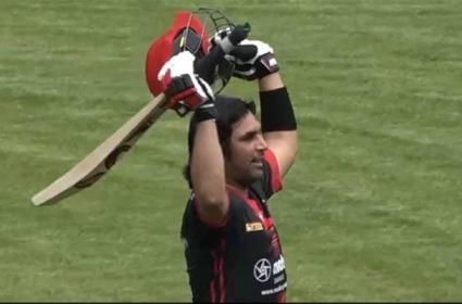 Century in 28 balls .. Record-breaking batsman
